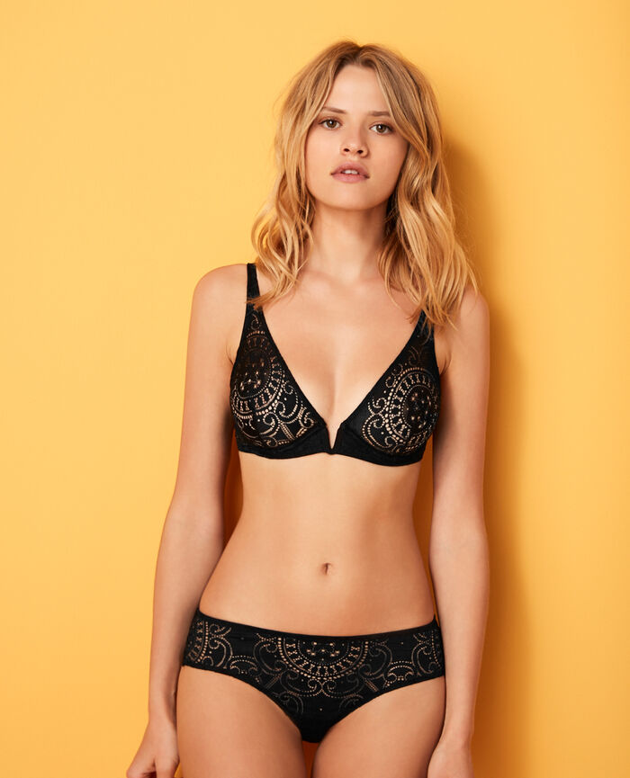 Underwired triangle bra Black Evasion