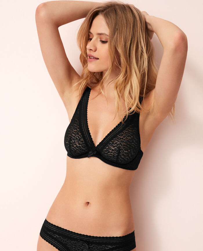 Underwired triangle bra Black Belle