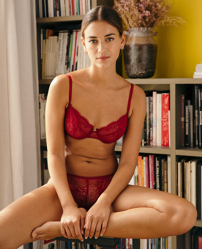 Half-cup bra Camelia red Chic
