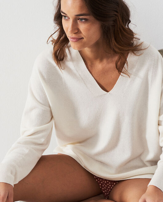V-neck jumper Ivory Cosy