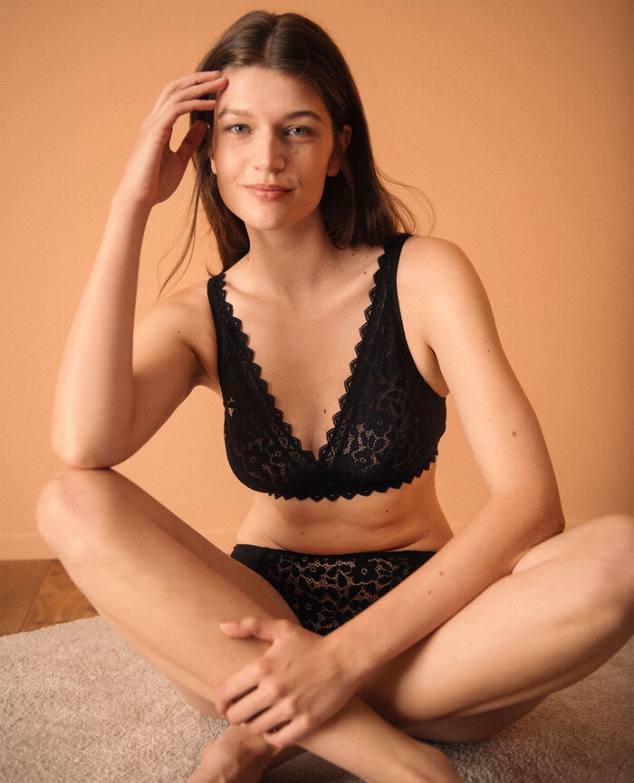 Soft cup bra Black Confidence - the feel good