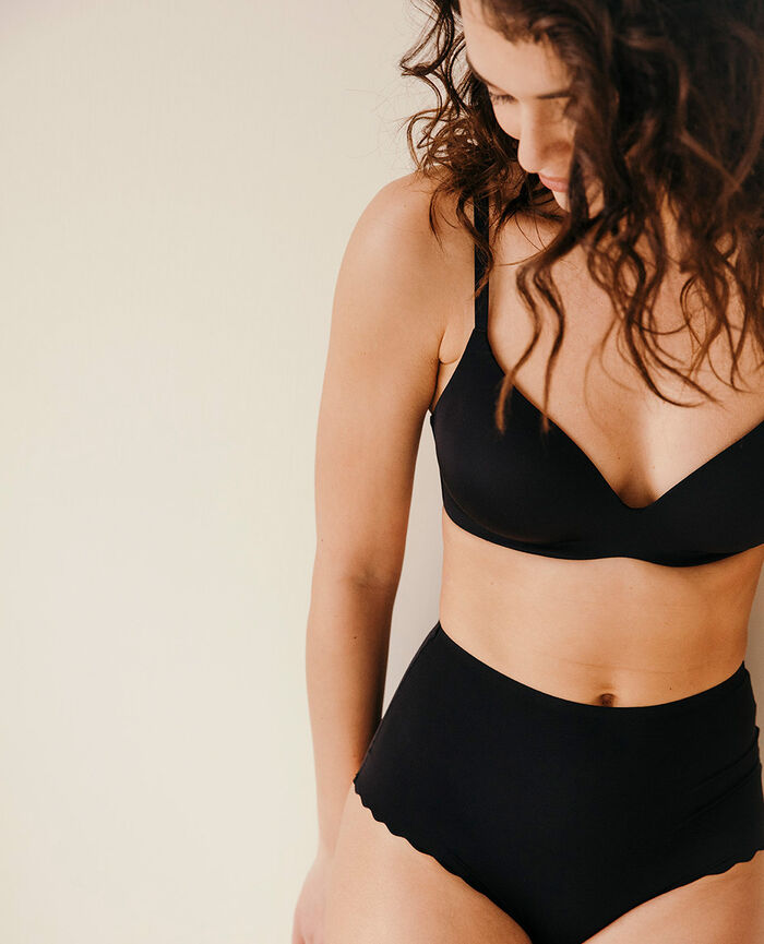 Soft moulded triangle bra Black Secret