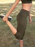 Legging de running galbant court Vert mousse Run