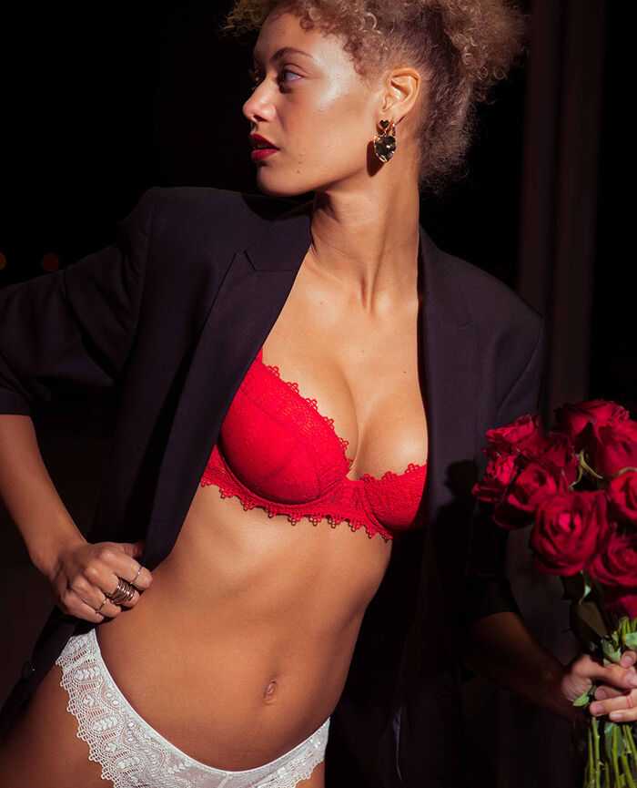 Padded push-up bra Idol red Amour