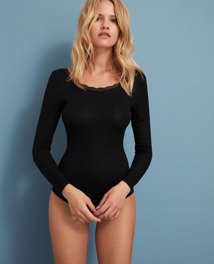 Body Noir Lovely