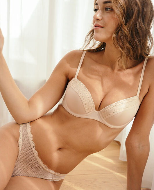 Progressive-cup push-up bra Powder Eclat