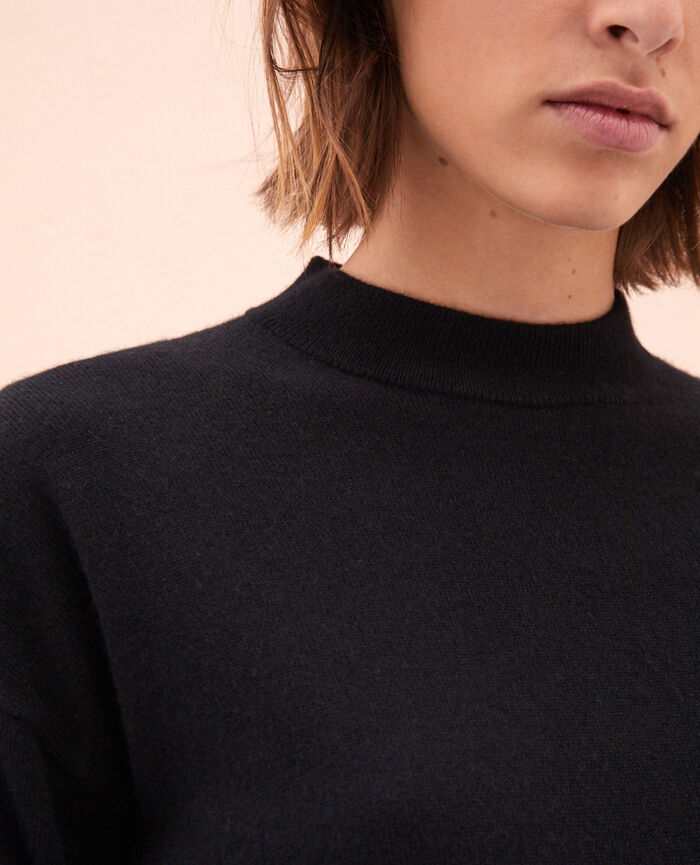 Jumper Black Icone