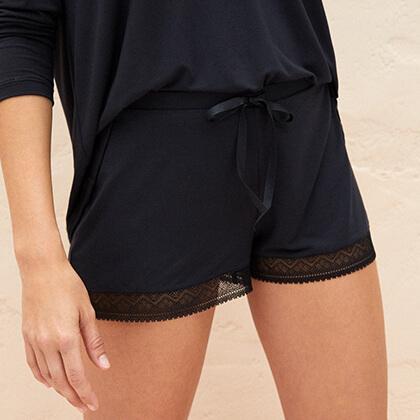 Shorts femme & pyjama combishorts